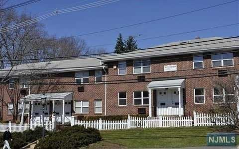 15a N Maple Ave, Park Ridge, NJ - USA (photo 1)