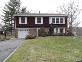 Mls number 1701088 3 bed 2 bath residential property for 10 overlook terrace