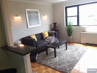 prevnext & MLS Number 1832938 - 1 bed1 bath Condo/Coop/Townhouse Property for ...
