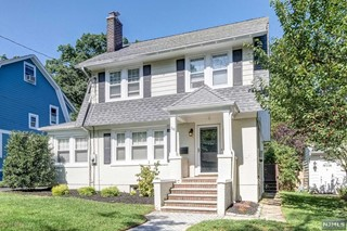 Mls Number 1938654 4 Bed 2 Bath Residential Property For 450 000 58 South Prospect Street Verona Nj New Jersey Multiple Listing Service