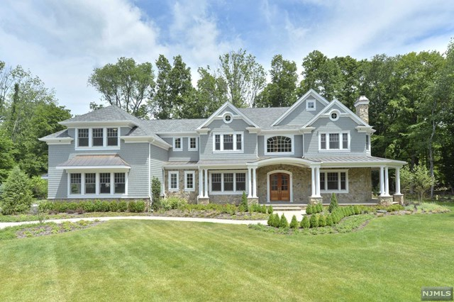 Single Family Home For Sale At 3 Bridle Way Saddle River Nj