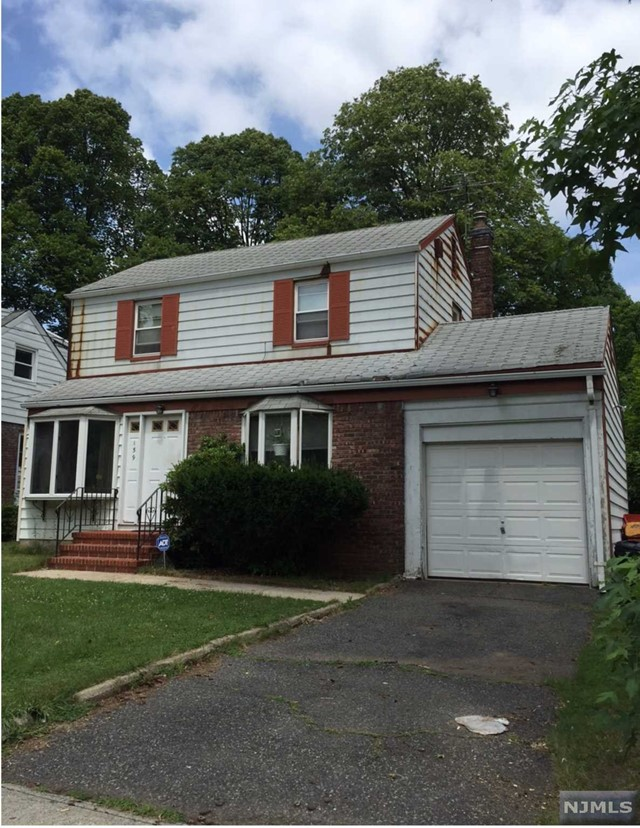 teaneck singles 1100 summit avehome located in a quiet neighborhood surrounded by well kept larger homeshome features 3 bdrms,1 bath,nice size separate living room.