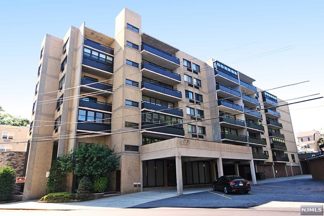 Condo Townhouse For Rent At 555 Gorge Rd Cliffside Park Nj