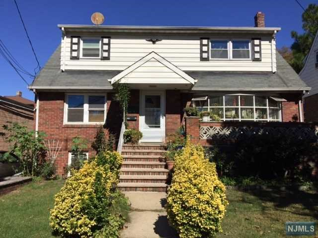 2 Family Home For Rent At 141 E Central Blvd Palisades