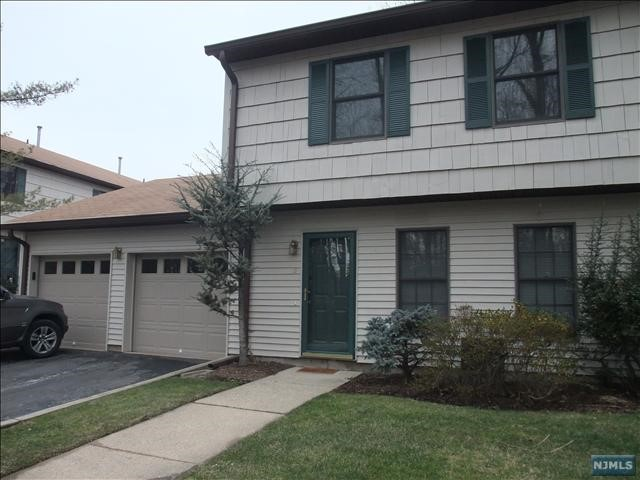 Condo townhouse for rent at 12 briarwood ct ramsey nj for Townhouse for rent nyc