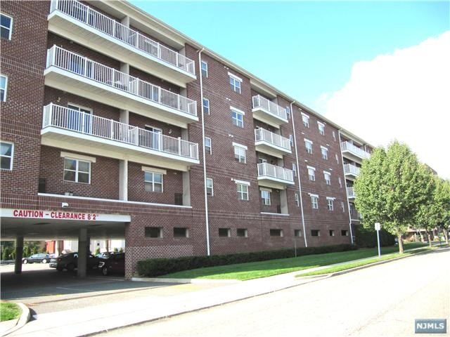 Condo Townhouse For Rent At 39 Union St Hackensack Nj