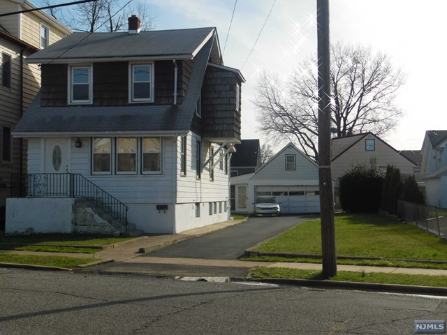 single family home for rent at 140 paterson ave lodi nj