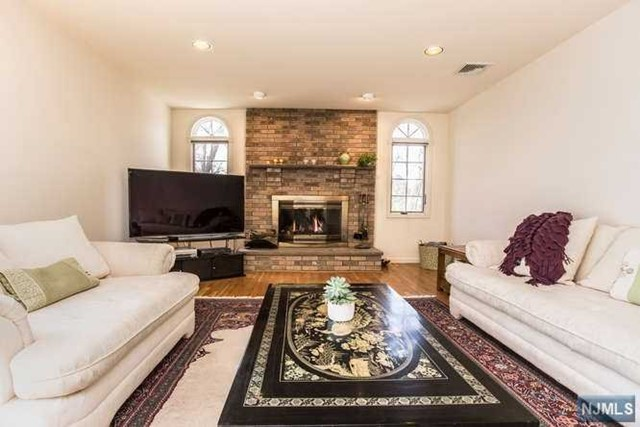 Single Family Home For Sale At 1 Blair Pl Emerson NJ