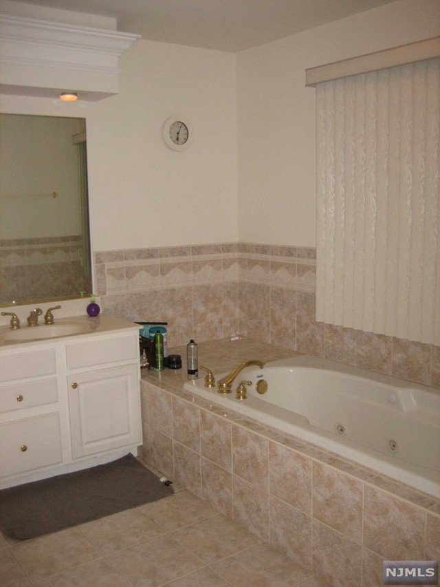 Condo Townhouse For Rent At 62 Mulberry Ct Paramus NJ