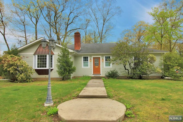 VIEW DETAILS ABOUT THIS PROPERTY IN Allendale. Allendale REAL ESTATE FOR SALE IN NEW JERSEY.
