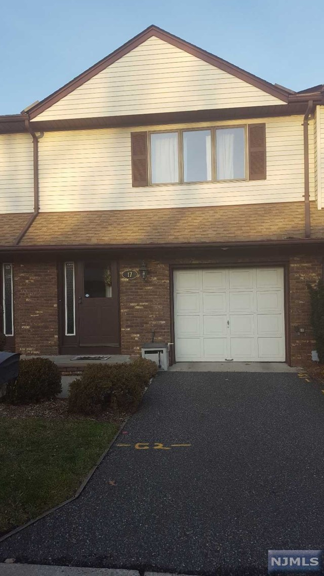 Condo Townhouse For Rent At 17 Staal Ln Lodi Nj