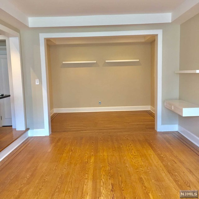 Condo for sale at 100 prospect avenue hackensack nj for Kitchen cabinets 07601