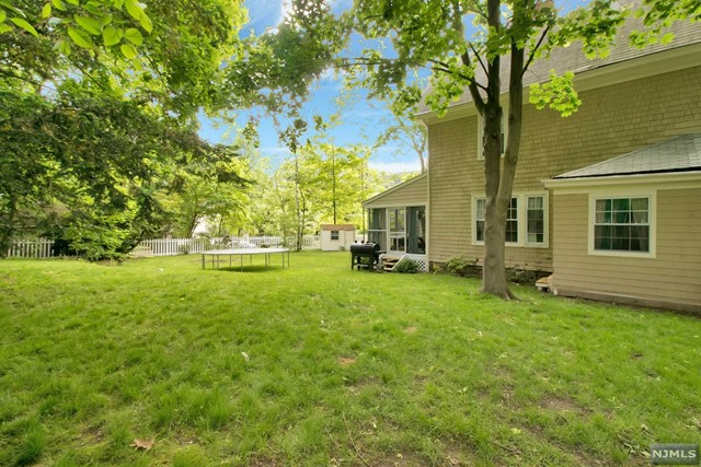 Single Family Home For Rent At 92 Highwood Ave Tenafly Nj