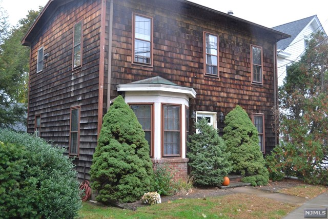 2 Family Home For Rent At 32 Maple Ave Waldwick Nj
