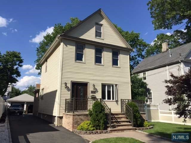 2 Family Home For Rent At 112 Brinkerhoff St Ridgefield