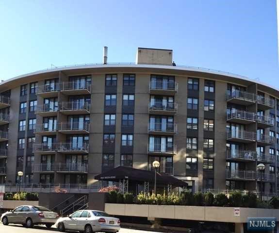 Co op for sale at 2400 hudson terrace fort lee nj for 2400 hudson terrace fort lee nj 07024