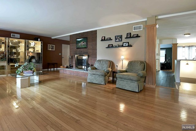 Single Family Home For Sale At 984 Soldier Hill Rd Emerson NJ