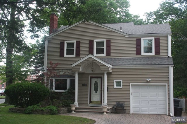 Single Family Home For Sale At 1773 Teaneck Rd Teaneck Nj