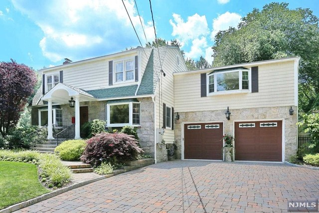 harrington park single men Harrington park is a small, upper-middle class town in new jersey with smart people the people are usually nice and innocent most people are able to afford a bigger house but decide not to waste a lot of money so they buy modest homes.