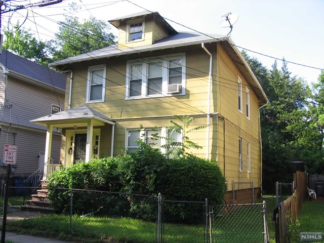 2 Family Home For Rent At 281 Hirliman Rd Englewood Nj