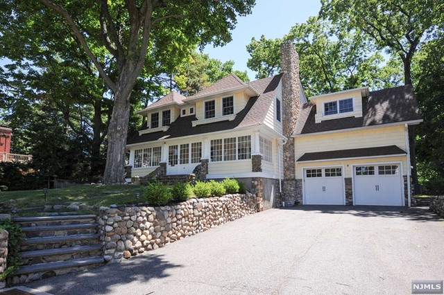 single family home for sale at 39 corsa ter ridgewood nj