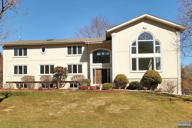 VIEW DETAILS ABOUT THIS PROPERTY IN Harrington Park. Harrington Park REAL ESTATE FOR SALE IN NEW JERSEY.