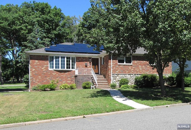 VIEW DETAILS ABOUT THIS PROPERTY IN Englewood Cliff. Englewood Cliff REAL ESTATE FOR SALE IN NEW JERSEY.