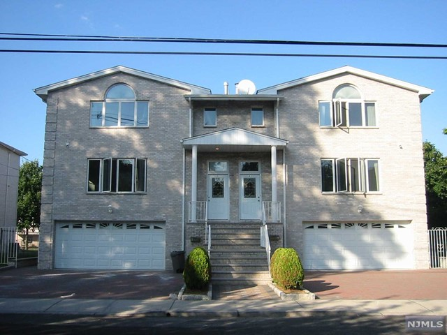 Condo Townhouse For Rent At 295 Maple St Fort Lee Nj