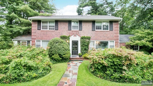 VIEW DETAILS ABOUT THIS PROPERTY IN Tenafly. Tenafly REAL ESTATE FOR SALE IN NEW JERSEY.