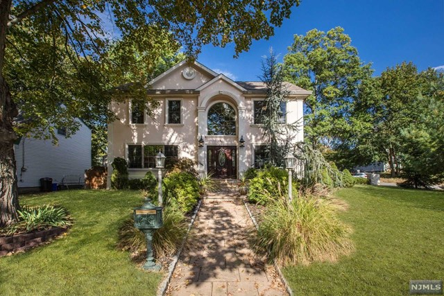 VIEW DETAILS ABOUT THIS PROPERTY IN Cresskill. Cresskill REAL ESTATE FOR SALE IN NEW JERSEY.