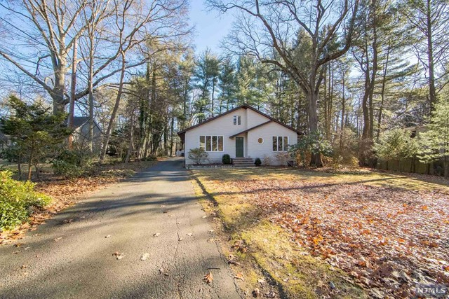 VIEW DETAILS ABOUT THIS PROPERTY IN Woodcliff Lake. Woodcliff Lake REAL ESTATE FOR SALE IN NEW JERSEY.