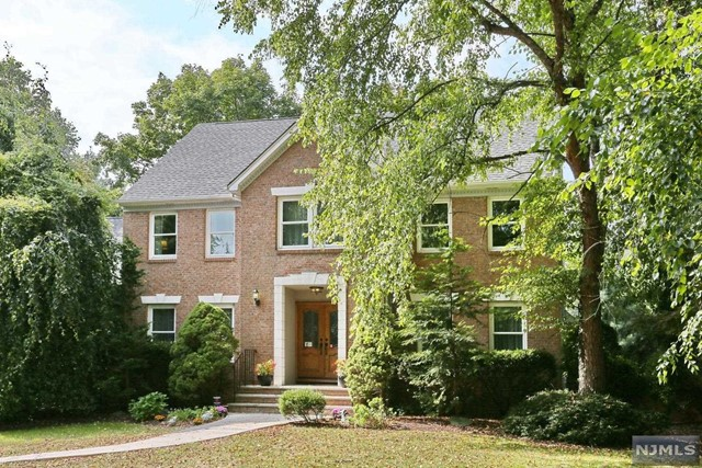 VIEW DETAILS ABOUT THIS PROPERTY IN Park Ridge. Park Ridge REAL ESTATE FOR SALE IN NEW JERSEY.