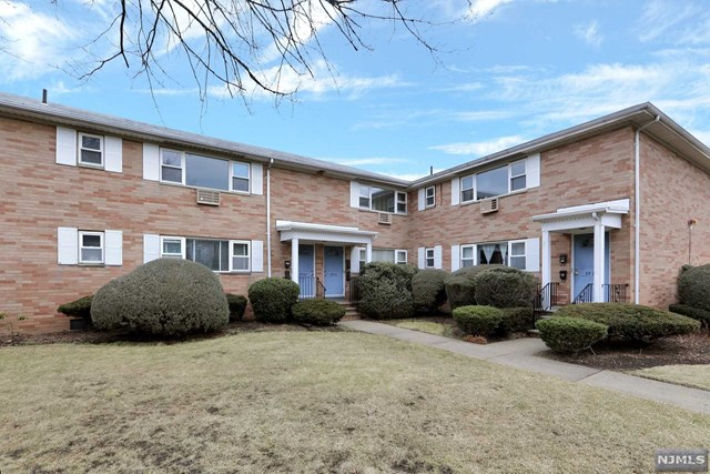 VIEW DETAILS ABOUT THIS PROPERTY IN Fair Lawn. Fair Lawn REAL ESTATE FOR SALE IN NEW JERSEY.