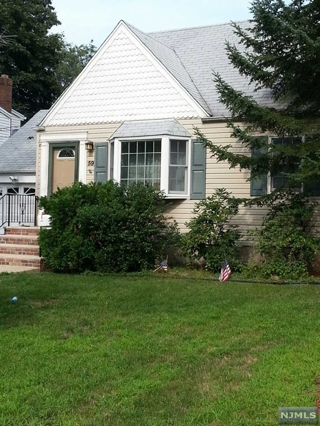 VIEW DETAILS ABOUT THIS PROPERTY IN Dumont. Dumont REAL ESTATE FOR SALE IN NEW JERSEY.