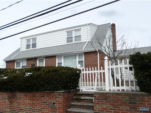 VIEW DETAILS ABOUT THIS PROPERTY IN Fort Lee. Fort Lee REAL ESTATE FOR SALE IN NEW JERSEY.