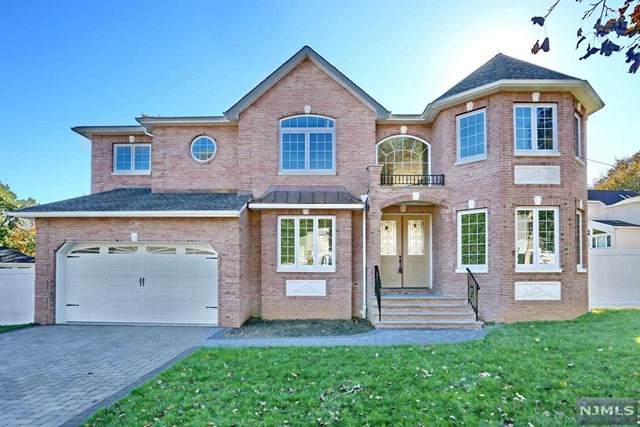 VIEW DETAILS ABOUT THIS PROPERTY IN Paramus. Paramus REAL ESTATE FOR SALE IN NEW JERSEY.