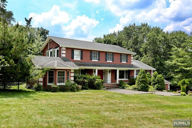 VIEW DETAILS ABOUT THIS PROPERTY IN Upper Saddle Ri. Upper Saddle Ri REAL ESTATE FOR SALE IN NEW JERSEY.