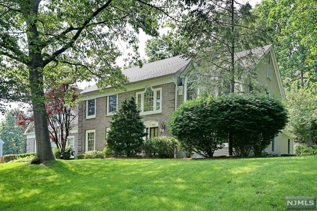 VIEW DETAILS ABOUT THIS PROPERTY IN Wyckoff. Wyckoff REAL ESTATE FOR SALE IN NEW JERSEY.