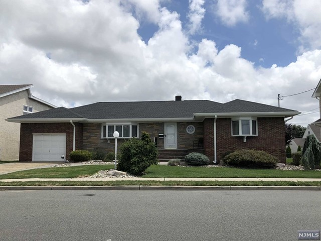 VIEW DETAILS ABOUT THIS PROPERTY IN Secaucus. Secaucus REAL ESTATE FOR SALE IN NEW JERSEY.