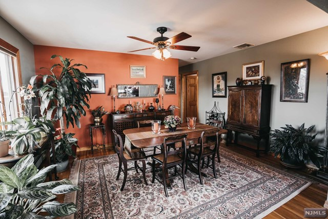 VIEW DETAILS ABOUT THIS PROPERTY IN Carlstadt. Carlstadt REAL ESTATE FOR SALE IN NEW JERSEY.