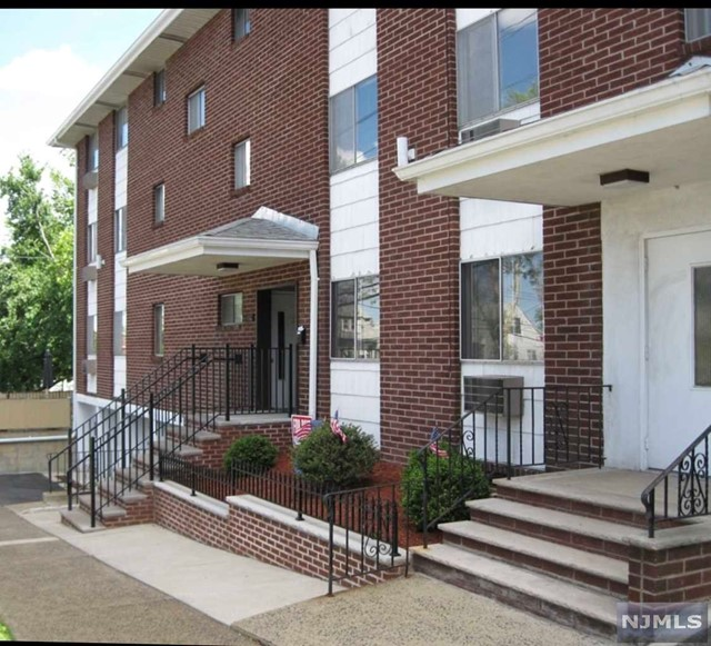 VIEW DETAILS ABOUT THIS PROPERTY IN Rutherford. Rutherford REAL ESTATE FOR SALE IN NEW JERSEY.