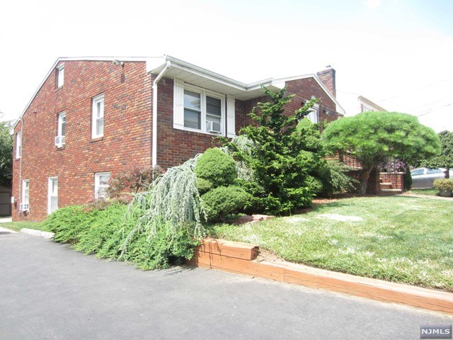 VIEW DETAILS ABOUT THIS PROPERTY IN Lyndhurst. Lyndhurst REAL ESTATE FOR SALE IN NEW JERSEY.