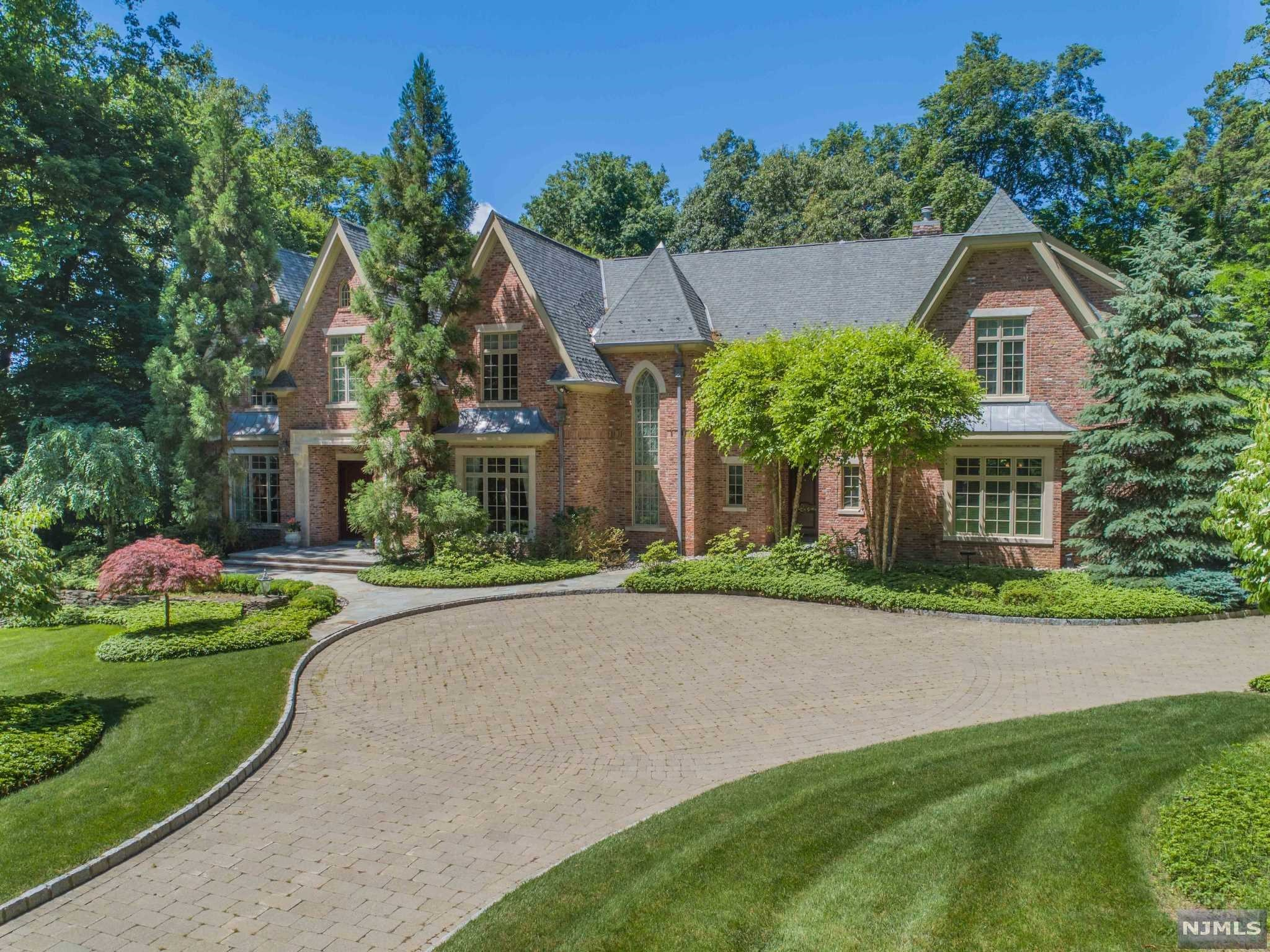 15 Woodfield Lane, a Luxury Home for Sale in Saddle River ...