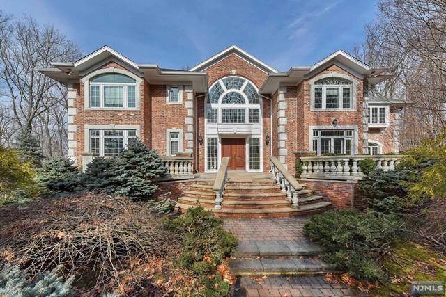 19 Woodhill Rd - Tenafly, New Jersey