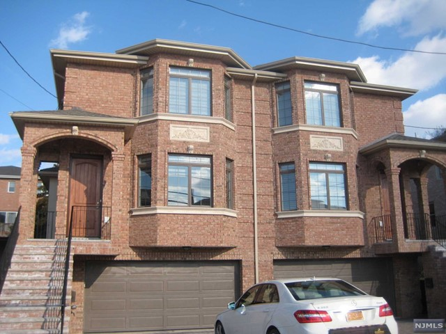 25 W Edsall Ave, A - Palisades Park, New Jersey