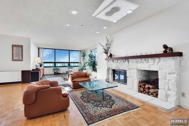 800 Palisade Ave, PH-24C - Fort Lee, New Jersey
