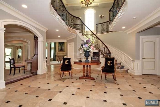 Home For Sale At 183 Woodside Ave In Franklin Lakes Nj
