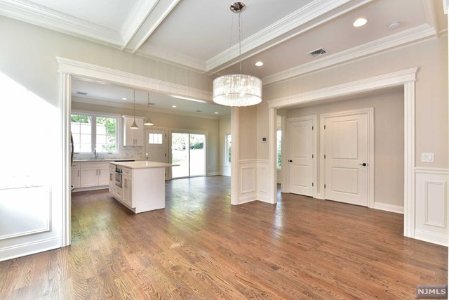 Photo 5 for Listing #1542232