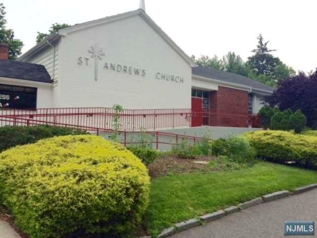 31 Lynn St, Harrington Park, NJ 07640
