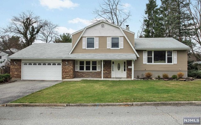1 Blanche Ave, Demarest, NJ 07627
